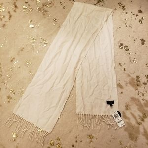 NWT Cashmere Charter Collections Creme Scarf
